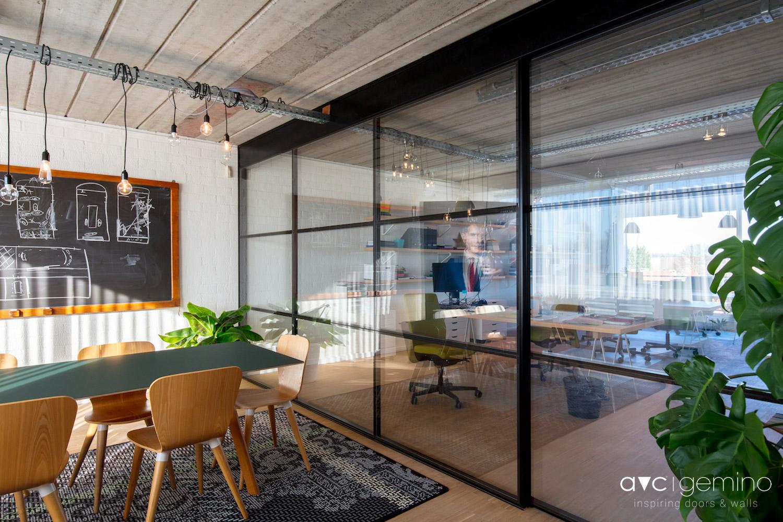kantoor met industri le look avc gemino. Black Bedroom Furniture Sets. Home Design Ideas