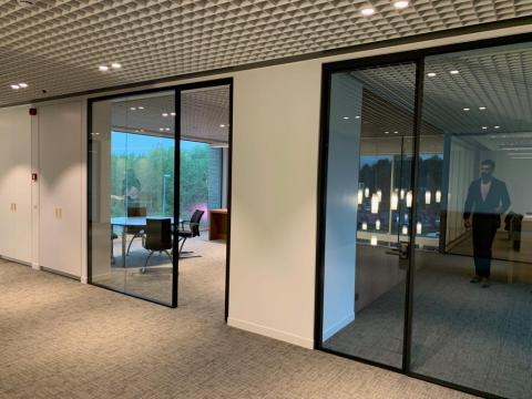 Glass doors and walls - Kennedypark headquarters 2