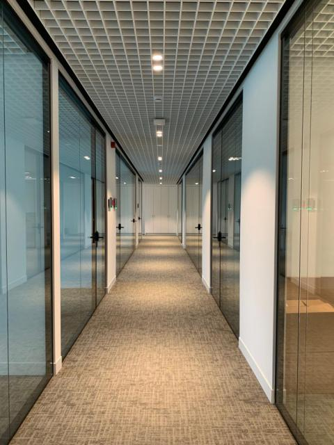 Glass doors and walls - Kennedypark headquarters 3
