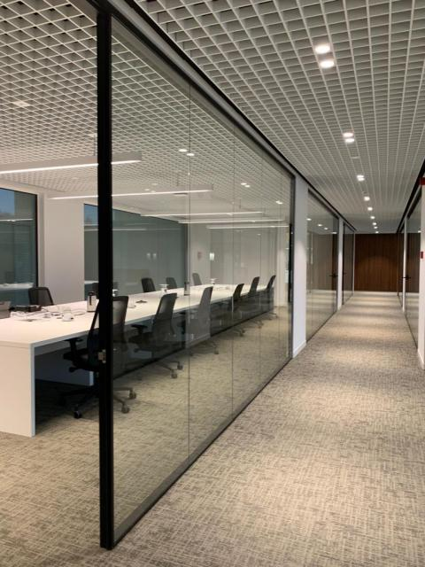 Glass doors and walls - Kennedypark headquarters 5