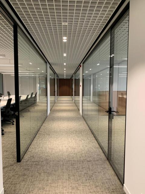 Glass doors and walls - Kennedypark headquarters 6